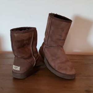 Ugg Classic Short Bootie Chocolate Size 8
